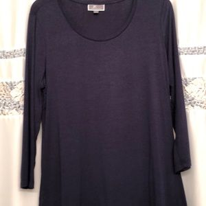 JM Collection Tops - JM collection Navy top, SO soft!!
